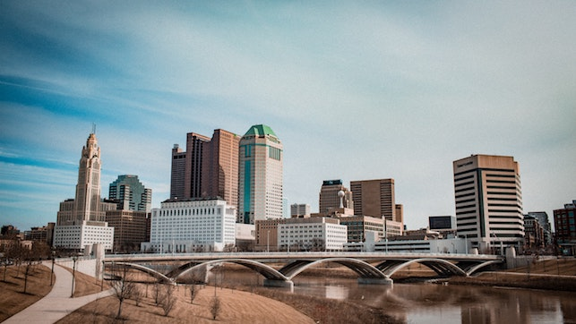 Columbus, OH. The average IT salary is $ 92440